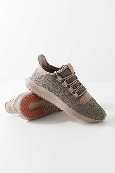 cheap for discount dcbb1 4af7d adidas Tubular Shadow Knit Sneaker Zapatos Deportivos, Ropa Deportiva,  Urban Outfitters