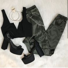 Cute outfit idea to copy ♥ For more inspiration join our group Amazing Things ♥ You might also like these related products: - Sweaters ->. Grunge Outfits, Teen Fashion Outfits, Edgy Outfits, Cute Casual Outfits, Swag Outfits, Outfits For Teens, Dress Outfits, Girl Outfits, Summer Outfits