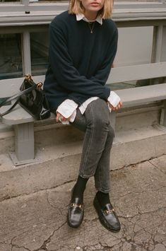 Combining casualness and classic details this look has it all! Looks Street Style, Looks Style, Style Me, Mode Outfits, Casual Outfits, Fashion Outfits, Womens Fashion, Normcore Fashion, Fashion Shoes
