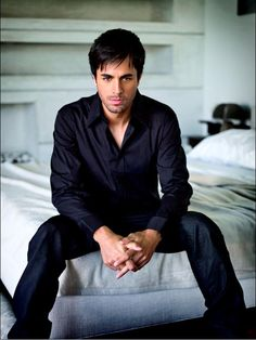 Enrique Iglesias. Pause from the science/engineering to be girlie and crush on Enrique. <3
