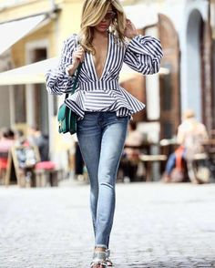Incredible outfit idea to try : striped top bag jeans heels, you can collec Outfits Con Camisa, Moda Outfits, Casual Outfits, Fashion Outfits, Fashion Fashion, Fashion Spring, Womens Fashion, Jeans With Heels, Pinterest Fashion