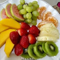 Healthy food is the way for a healthy lifestyle check the healthy recipes and start making it it's very easy to make and so yummy Super Healthy Recipes, Sweet Recipes, Healthy Snacks, Healthy Eating, Healthy Alternatives, Fruit Salad, Food Photography, Clean Eating, Food And Drink