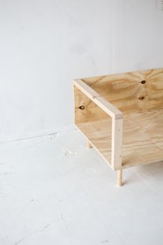 Inspirational Yourself Comfortable with This Easy Diy Wooden Studio sofa At Home Furniture Store, Cheap Furniture, Furniture Plans, Rustic Furniture, Furniture Design, Furniture Nyc, Discount Furniture, Furniture Dolly, Furniture Online