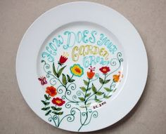 DIY... I'm so getting some porcelain pens and coloring on some white dishes! Can't wait!!