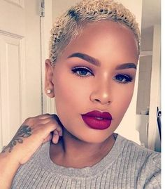 Need a little something new to spice up your natural hair styles? Well here are some rocking natural hair styles Twa Hairstyles, Summer Hairstyles, Haircuts, Blonde Twa, Curly Hair Styles, Natural Hair Styles, Pelo Afro, Short Hair Cuts, Short Blonde Pixie
