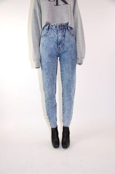 i want acid wash-high waisted jeans... or that color jaja