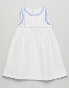 VESTIDO PIQUE BEBE White with light blue neck and arm trim. Pretty!