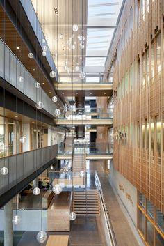Galería de Centro Alumni / TVA Architects - 1