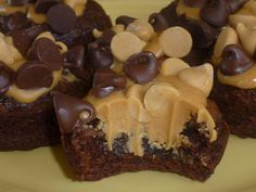 Peanut Butter Cup Brownie Bites!