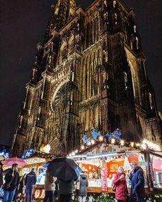 Marché de Noël au pied de la Cathédrale de Strasbourg  #Strasbourg #Alsace #Noel #France #Cathedrale #Histoire #Christmas #ChristmasMarket #Travel #Voyage Alsace, Times Square, France, Photos, Travel, Instagram, Pictures, Photographs, Viajes