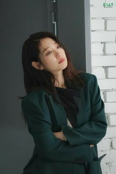 Park Shin Hye, Korean Actresses, Korean Celebrities, Korean Women, Bomber Jacket, Singer, Photoshoot, Kpop, Model