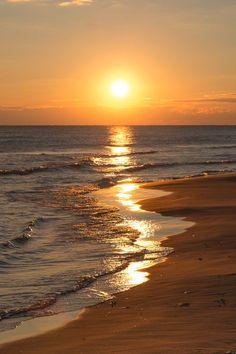 amanhecer na praia do sul                                                                                                                                                                                 Mais