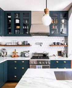 Home Decor Kitchen, Rustic Kitchen, New Kitchen, Home Kitchens, Kitchen Layout, Awesome Kitchen, Small Kitchens, Dream Kitchens, Eclectic Kitchen