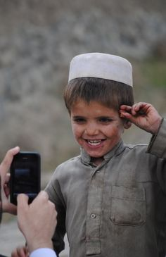 """When we help others we are acting as our """"higher-self"""" and our Light shines brighter. Poor Children, Precious Children, Beautiful Children, Poor Kids, Beautiful World, Beautiful People, Beautiful Places, Pakistan, Cute Love Lines"""