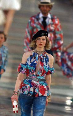 9e31340e Chanel cuba #chanelresort #chanel #resort #house Cruise Fashion, Chanel  Fashion Show