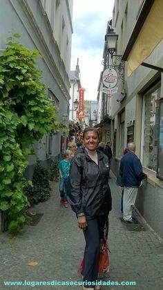Rua Drosselgasse:   Considerada 'menor rua mais feliz do mundo'