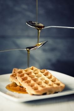 https://flic.kr/p/RBH6Ri | Derivative syrup | I must confess I've seen something similar to this before so I can't really take credit for the concept. But I had spoons, syrup and waffles so just the right ingredients to rustle up a spot of sweet, sweet plagiarism.