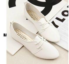 Encontrar Más Moda Mujer Sneakers Información acerca de 2015 nueva primavera Casual piso con cuero suave con cordones zapatos mujer zapatos de dama zapatos de cuero zapatos de los guisantes, alta calidad Moda Mujer Sneakers de Myriad classics en Aliexpress.com