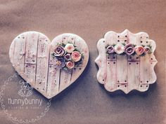 Royal icing cookies, wooden plaques cookies, shabby chic cookies, vintage cookies, decorated cookies, royal icing roses, decorated sugar cookies