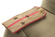 Right side shoulder board epaulette of an Imperial Russian WWI 2nd Lieutenant's tunic of 'kittel', Model 1907.
