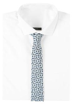¡Consigue este tipo de corbata de VON FLOERKE ahora! Haz clic para ver los detalles. Envíos gratis a toda España. VON FLOERKE BLAUBEERE Corbata hellblau: VON FLOERKE BLAUBEERE Corbata hellblau Ofertas   | Material exterior: 100% seda | Ofertas ¡Haz tu pedido   y disfruta de gastos de enví-o gratuitos! (corbata, tie, neckwear, necktie, pajarita, pajarita, tie, neckwear, necktie, krawatte, corbata, cravate, cravatta)