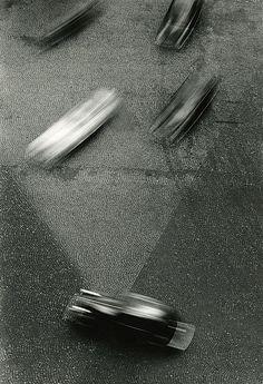 Otto Steinert, Rhythmus und Struktur (Blick vom Arc de Triomphe), Motion blur, (aperture) and slow shutter speed (roughly seconds) Otto Steinert, City Photography, Vintage Photography, Digital Photography, Photography Women, Willy Ronis, Black And White City, Motion Blur, Gelatin Silver Print