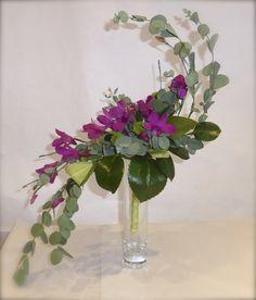 Hogarth Curve Flower Arrangement   Orchid hogarth curve bouquet