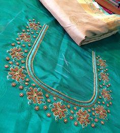 Simple Embroidery Designs, Simple Blouse Designs, Stylish Blouse Design, Embroidery Works, Simple Designs, Embroidery Stitches, Choli Blouse Design, Aari Work Blouse, Salwar Designs