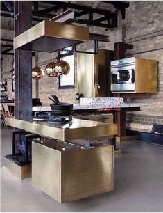 Réaliser une belle décoration de cuisine avec des accents glamour n'est pas une tâche si difficile de nos jours. Les designers d'intérieur suggèrent les propriétaires de le faire ingénieusement san…