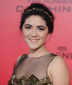 Isabelle Fuhrman's pretty headband at the Catching Fire premiere