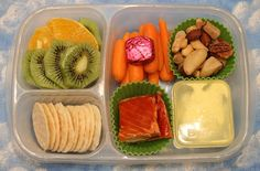 Simple picnic adult bento lunch in our #EasyLunchboxes