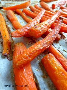 Pieczona marchewka z rozmarynem | Oryginalny smak Carrots, Vegetables, Food, Diet, Essen, Carrot, Vegetable Recipes, Meals, Yemek
