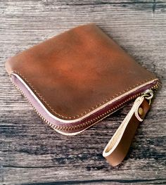 Zipper leather wallet made of genuine cow leather, handmade production. Shipped from France all around the world. Available on our Etsy shop Leather Accessories, Cow Leather, Leather Wallet, Wallets, Zip Around Wallet, France, Etsy Shop, Zipper, Handmade