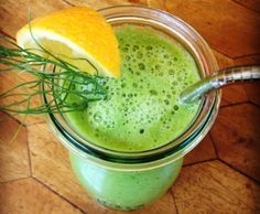 """Orange Anise Green Smoothie: I love orange fennel salad – all the flavor, fiber, and nutrients are here and it fits in a """"to go"""" cup."""