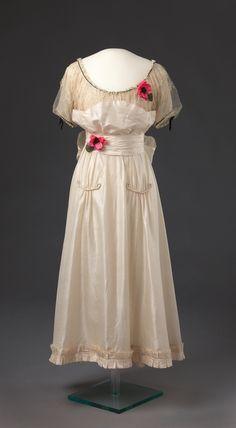 Dress  1916  Nasjonalmuseet for Kunst, Arketektur, og Design