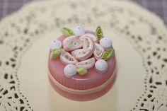 quilled cake pink