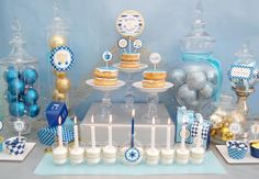Hanukkah menorah from candles - gorgeous! Feliz Hanukkah, Hanukkah Crafts, Hanukkah Decorations, Christmas Hanukkah, Happy Hanukkah, Holiday Crafts, Holiday Fun, Holiday Ideas, Hanukkah Meals