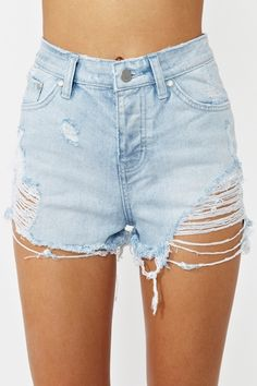 Strut your stuff in high-waisted shorts, denim cutoffs, lace shorts, hot pants & more! Shop womens shorts at Nasty Gal, for casual days or crazy nights out. Ripped Shorts, Denim Cutoffs, Jean Shorts, Jeans, 70s Fashion, Urban Fashion, Fashion Outfits, Z Boys, Short Models