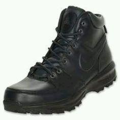 Black Nike boots