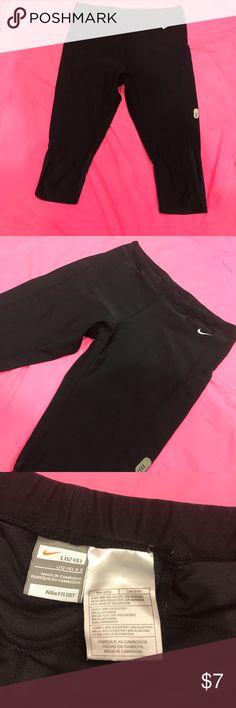 Nike fit dry capri Used nike capris Nike Pants Capris