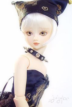 This photo was uploaded by justdolls7.