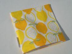 Juicy Lemons Medium No Waiste Reusable Snack/Sandwich Bag by BloomingdealsUSA for $6.00