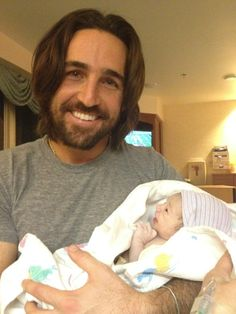Jake Owen and Wife Lacey welcome Olive Pearl Owen into the world on Thanksgiving | The Country Site