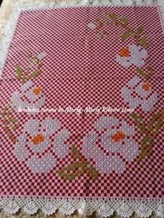Beautiful little embroidered floral tablecloth 6 Cross Stitch Rose, Cross Stitch Flowers, Cross Stitch Patterns, Blackwork Embroidery, Embroidery Stitches, Ribbon Embroidery, Bordado Tipo Chicken Scratch, Lace Dream Catchers, Chicken Scratch Embroidery