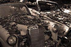 """Abandoned Cars"" von Thomas Widmer | Inkjet Fineart Print auf Alu-Dibond | 60 x 40 cm | www.einfachKunst.ch | Art | Basel | Schweiz"