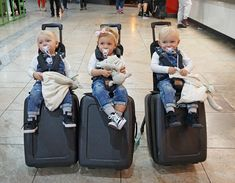 Travelling with kids? bagrider is here to help. Super lightweight and made to fit most airplane carriers carry on dimensions. Make your life easy this travel season. Cute Kids, Cute Babies, Baby Kids, Traveling With Baby, Travel With Kids, My Baby Girl, Baby Love, Baby On Plane, Cute Baby Pictures