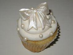 bow cupcake