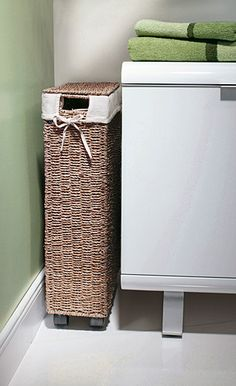 Bathroom basket for dirty clothes