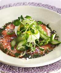 Salmon carpaccio and asparagus