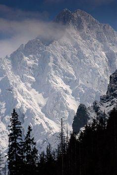 Mt. Gerlach, Tatra Mountains, Poland, by Michał Kasperczyk. #tatry #tatramountains #poland #mountainscape #mountaineering